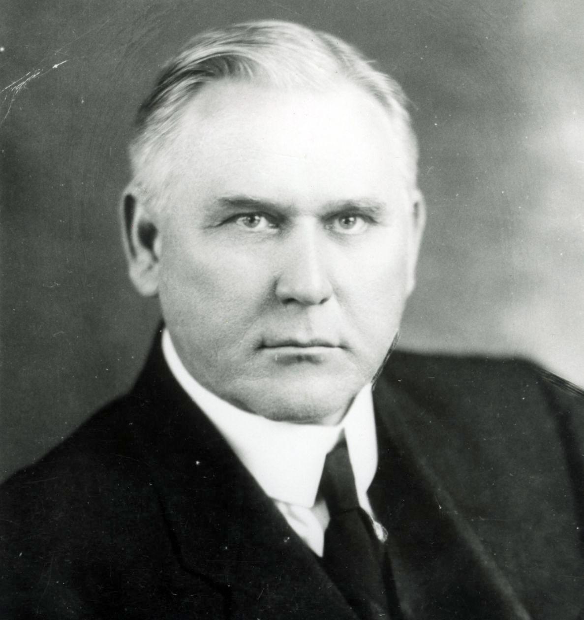 Dr.                                       George W. Truett